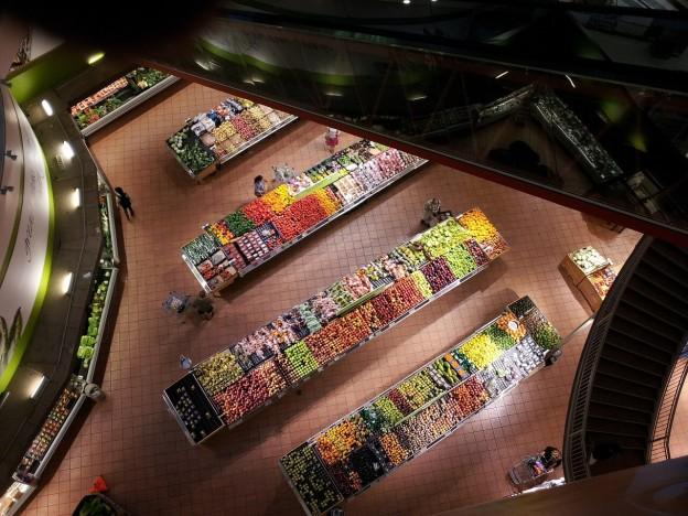 Tiendas locales versus supermercados